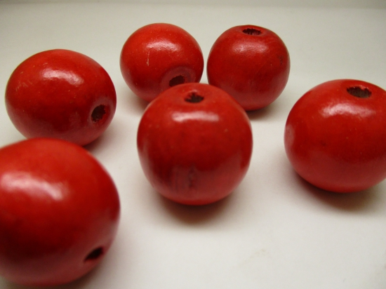 WOOD BEAD 25MM 125G RED