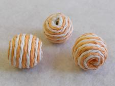 Twine Bead 20x20mm White/Orange 10pcs