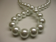 GLASS PEARLS 12MM WHITE