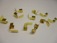 LEATHER CRMP +/-50PCS GOLD 4MM