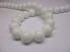 White Porcelain 10mm +/- 39pcs
