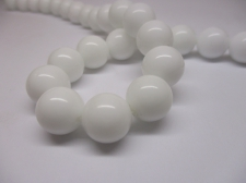 White Porcelain 12mm +/- 32pcs