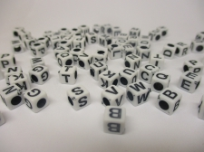 Square 6x6mm Acrylic (37c9308b) 250g White black