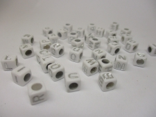 Square 6x6mm Acrylic (48c9308w5) 250g White silver